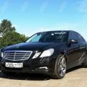 Автомобиль бизнес-класса Мерседес E200